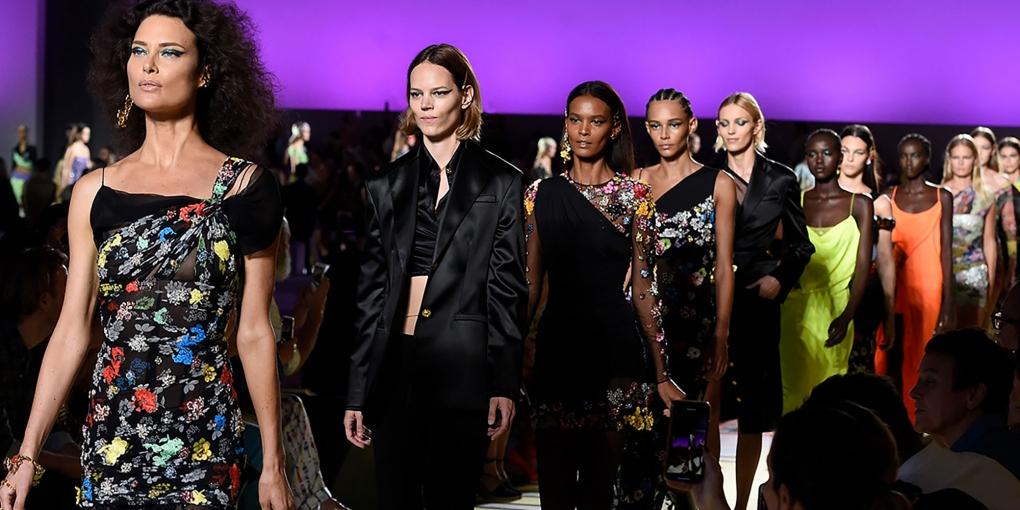 Da-Versace-al-New-York-Times-passando-per-la-MFW---sfilata-Versace-SS-2019